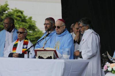 Los obispos intentan un acercamiento al Gobierno para reducir la tensión