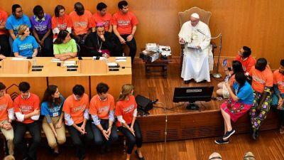 """El Papa: """"Que los jóvenes sepan cómo comienzan los populismos: sembrando odio"""""""