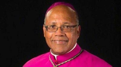 Tras investigación, el Papa Francisco destituye un obispo en Estados Unidos