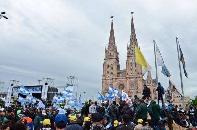 La Basílica no se mancha y los más papistas que el Papa