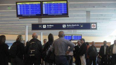 Aeronavegantes de Aerolíneas activaron la cláusula gatillo y acumulan una paritaria de 40,5%