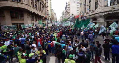 Ultimatum de Moyano: si el miércoles no hay oferta salarial, hay paro