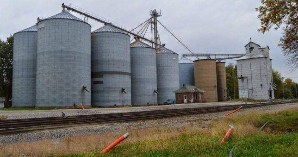 Las cerealeras advierten que si Rosario sube la presión tributaria contestarán con despidos