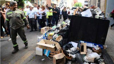 """Los concejales ya analizan declarar """"esencial"""" la recolección de residuos"""