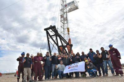"""Vidal recorrió inicio de perforaciones de Sinopec: """"Es posible abrir oportunidades para nuestros trabajadores"""""""