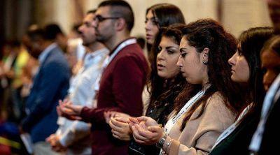 La lección de Sínodo: La Iglesia debe acompañar a los jóvenes, dice Arzobispo