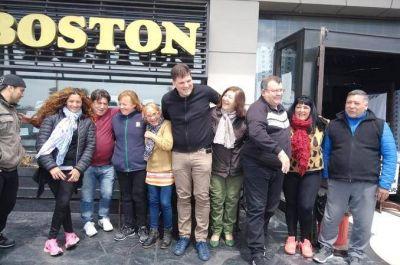 Una buena para los trabajadores de la Confitería Boston: Les reconectaron el agua