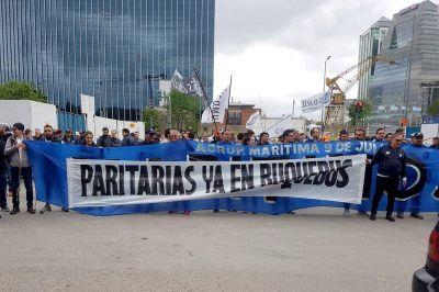 El SOMU se moviliza a Buquebus por reclamo paritario