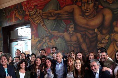 Para distender la relación, Macri le hizo un guiño a Vidal por el Fondo del Conurbano
