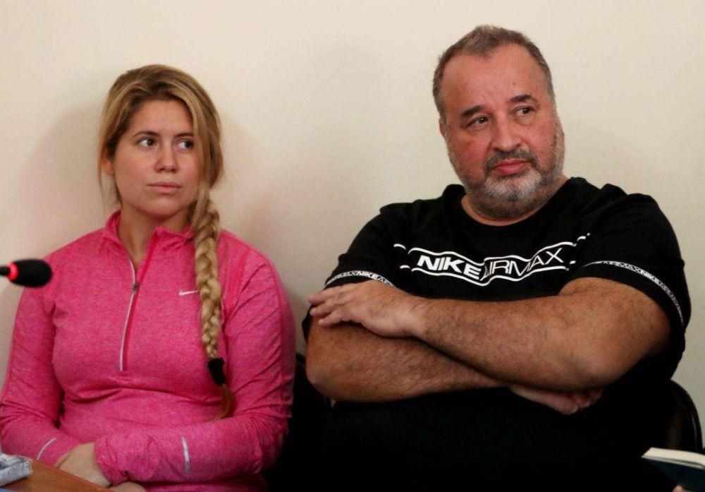 Dictaron prisión preventiva para la madre de Balcedo y la extradición para el dirigente del SOEME