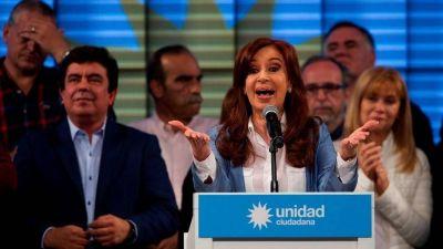 """Cristina manda señales al PJ pero abre """"filiales"""" de su partido en las provincias"""