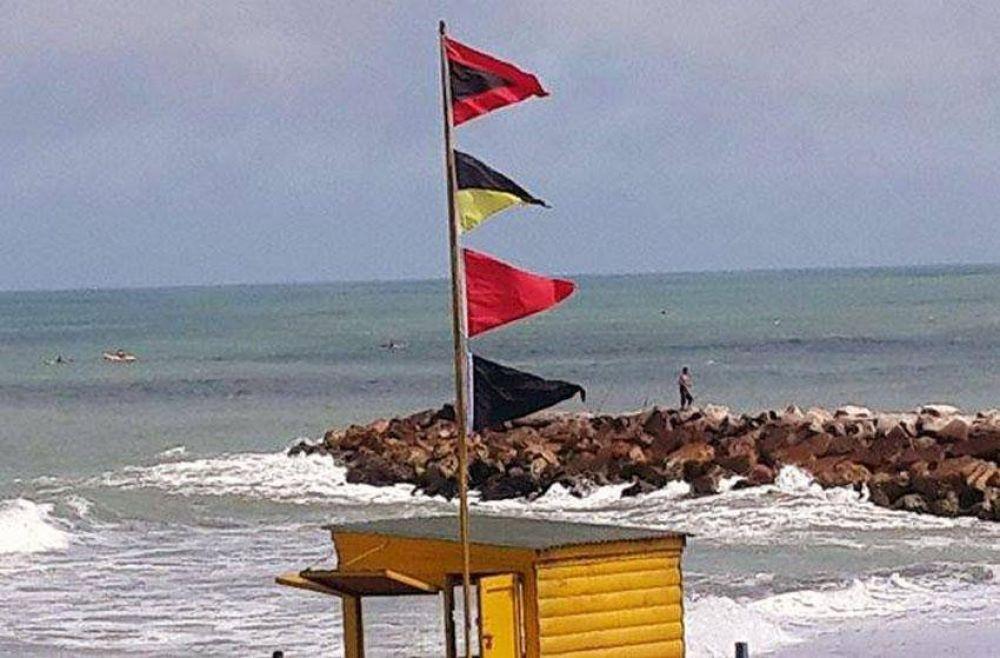 Sin contrato, guardavidas cubrieron sus puestos en las playas