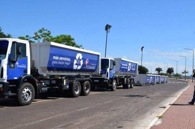 Suman camiones y bateas para basura