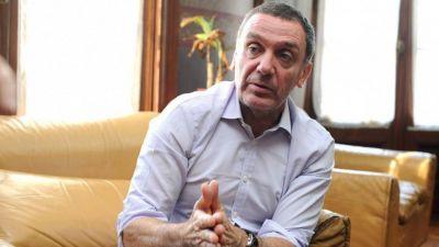 Un ministro de Vidal salió al cruce de las declaraciones de Bullrich sobre portación de armas