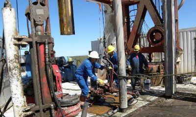Muerte de operario en YPF: Pereyra culpa a los trabajadores mientras familiares exigen respuestas