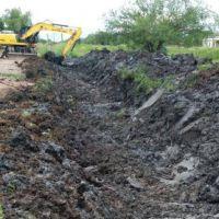 Limpieza permanente de desagües pluviales y expansión de alcantarillado