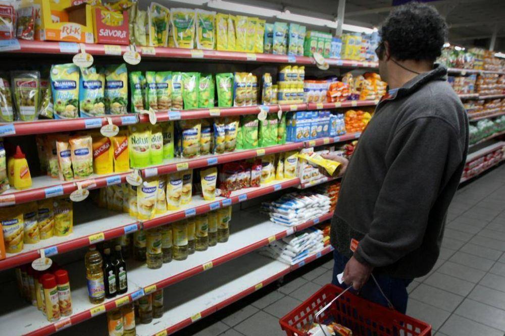 Pronostican un retroceso del consumo masivo de 1,8% este año y de 2,1% en 2019