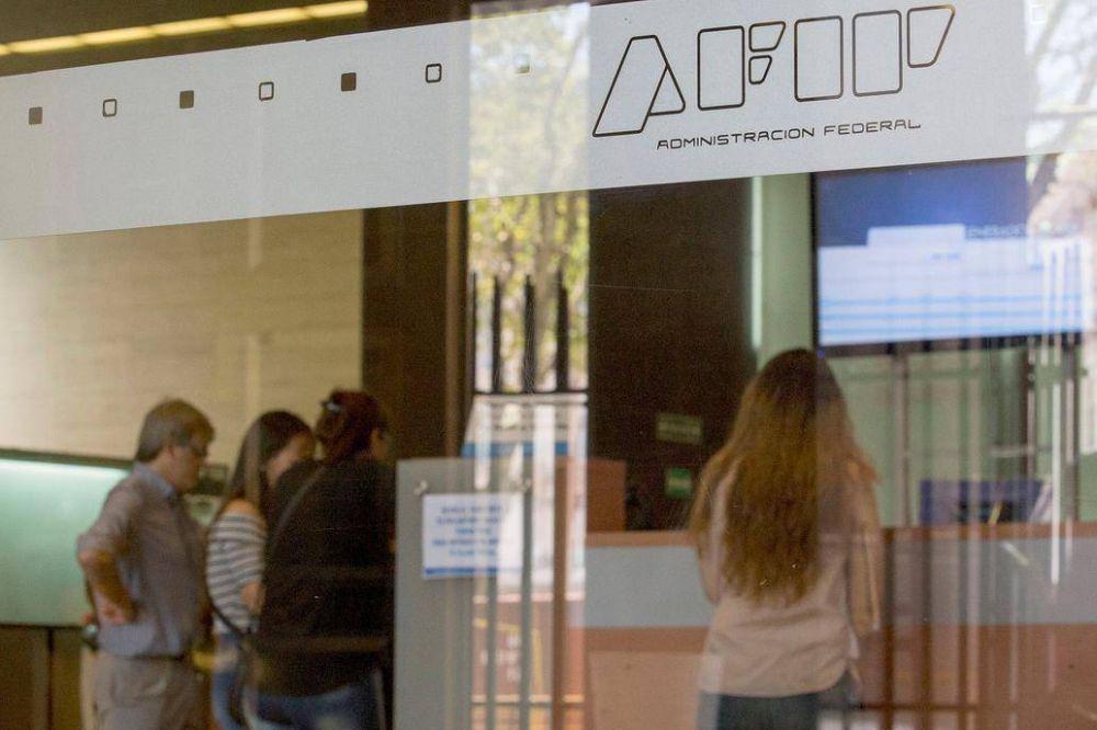 AFIP elevó a US$500 el monto de mercadería que se puede traer del exterior