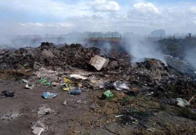 """Basural a Cielo Abierto contamina """"2 de abril"""" y """"El Retazo"""" ganado por las ratas"""