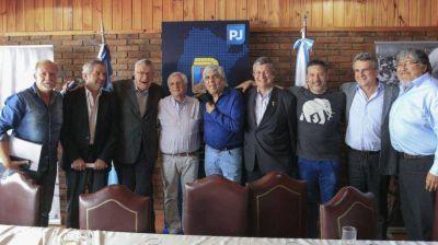 Hugo Moyano, Héctor Daer y Felipe Solá volvieron al PJ y sueñan con un frente