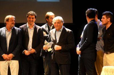 Reconocimiento a la trayectoria de Vicente Cholo Ciano