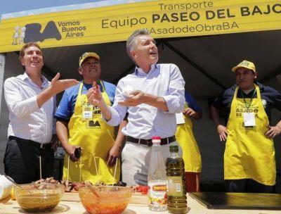 Asado de obra, paddle y superclásico: las distracciones de Macri para esquivar la crisis