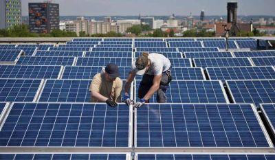 Jornadas de capacitación para expendedores sobre la generación y comercialización de energía solar
