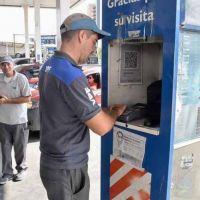 """Por los plazos de pago y las comisiones de las tarjetas de crédito, se vende combustible """"a pérdida"""""""