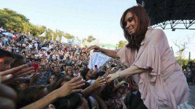 Dos encuestas revelan la estrategia electoral de Cristina en territorio bonaerense