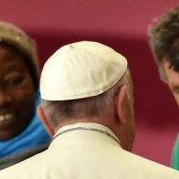 """El Papa Francisco: """"Los pobres nos evangelizan"""""""