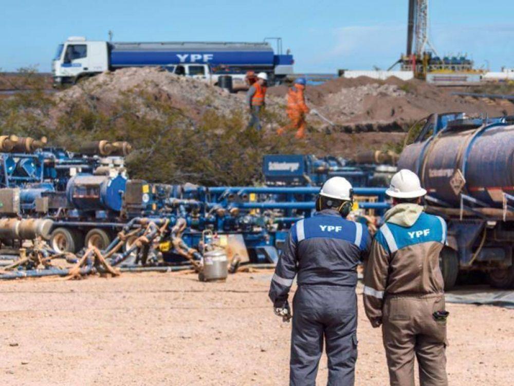 YPF amplía un 45% su procesamiento de crudo en Vaca Muerta