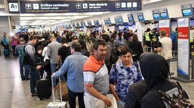 Por ahora hay un solo vuelo cancelado en Aeroparque por las protestas anunciadas por los gremios