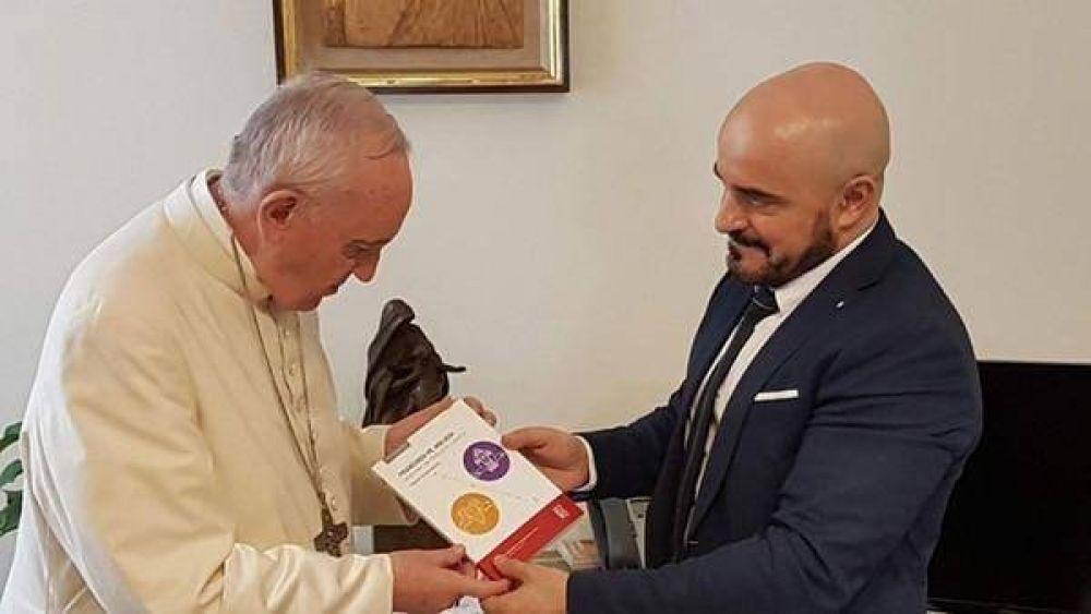 El Papa le escribió una carta al juez Gallardo tras leer el libro que escribió sobre sus ideas