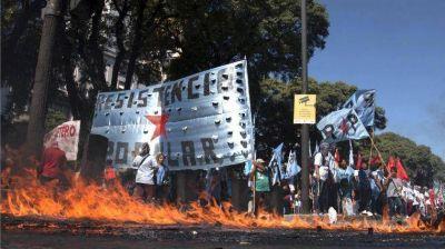 Piqueteros y sindicatos arrancan con protestas desde tres días antes del G20