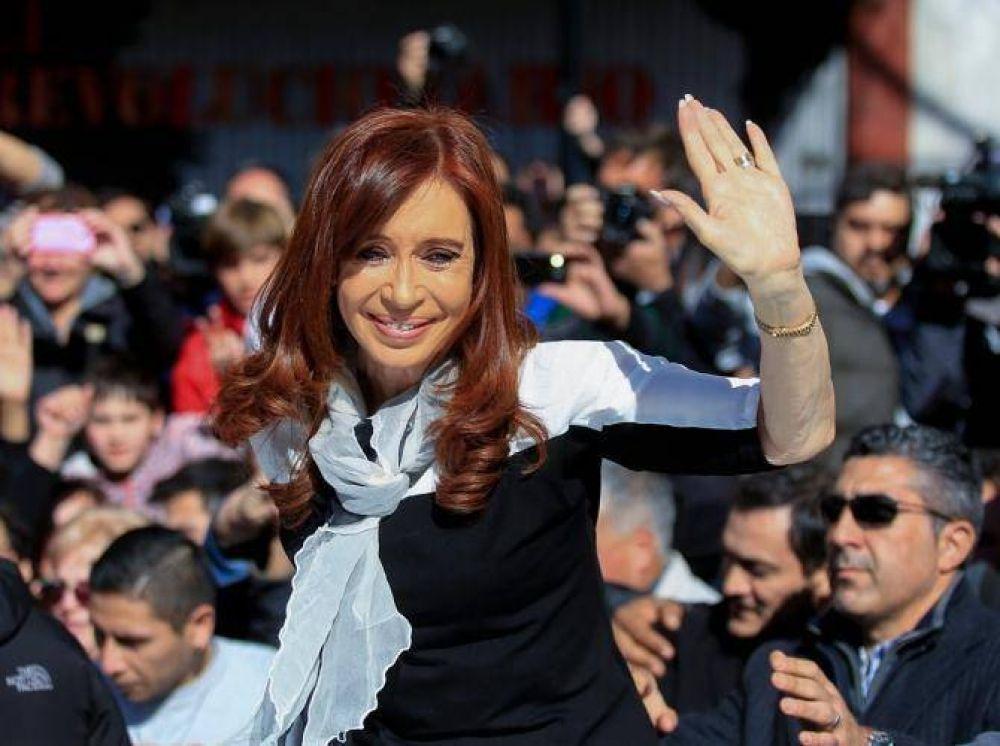 Feminismo, economía y elecciones: reaparece Cristina en la escena pública con su G20 opositor