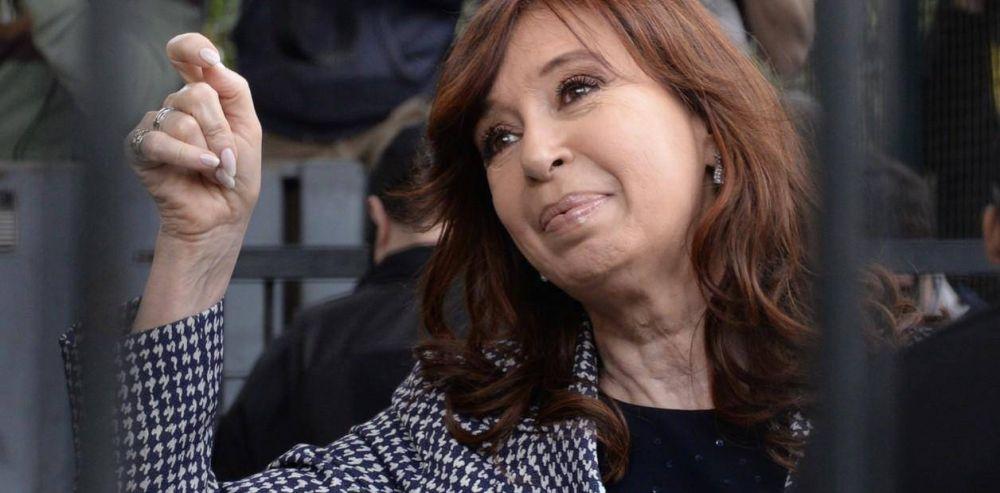 Los planetas se alinean para que Cristina Kirchner juegue y en la Casa Rosada celebran
