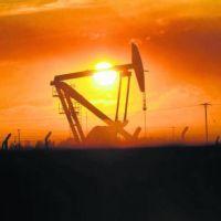 Cubrirán el aguinaldo y el eventual bono con nuevos fondos petroleros