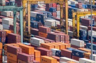 Crearán asociación de transporte de contenedores