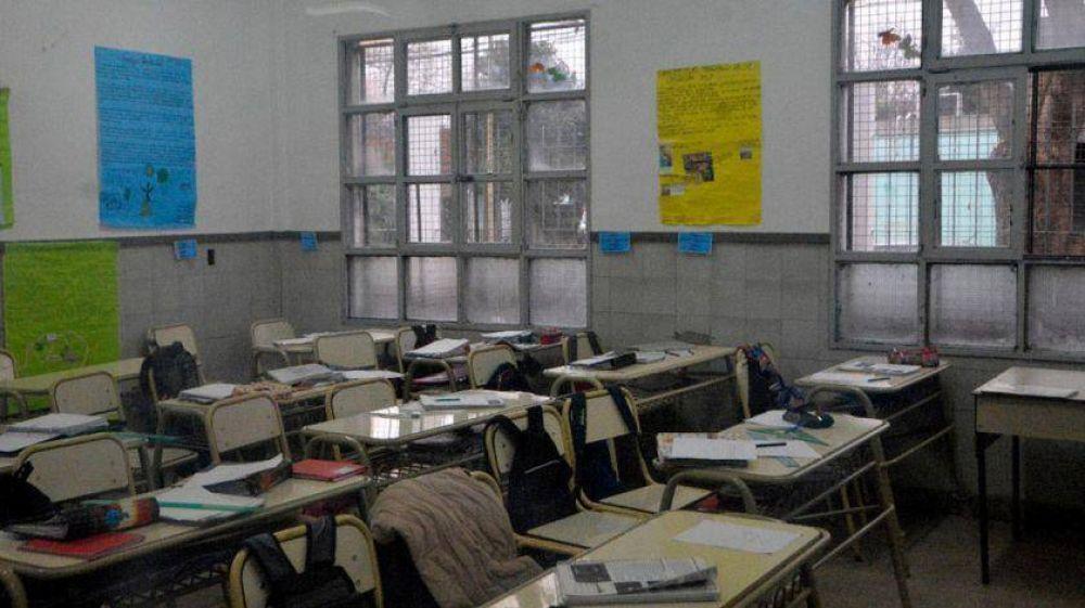 Paran los docentes bonaerenses y el Gobierno los acusa de