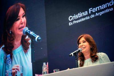 CFK llamó a la construcción de un frente social, cívico y patriótico contra el neoliberalismo
