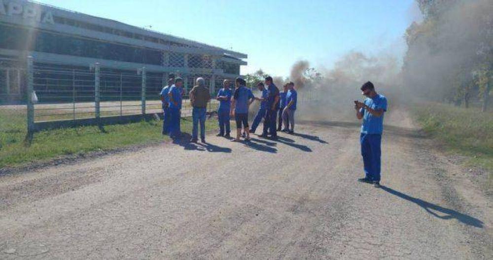 """La fábrica de motos Appia le debe 3 meses a sus empleados y les """"ofrece"""" que se vayan"""