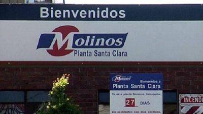 """Denuncian despidos encubiertos en la aceitera """"Santa Clara"""", de Molinos"""