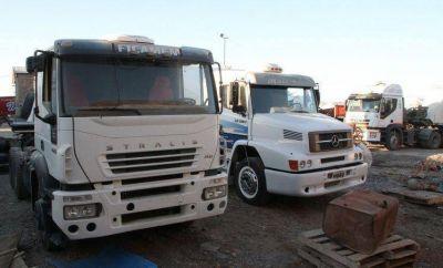 Por costos, con repuestos de otros camiones reparan los que trabajan