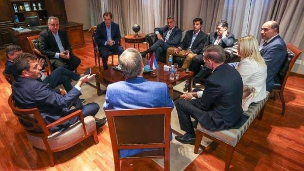 Massa, Pichetto, Urtubey y Schiaretti sumaron el apoyo de siete gobernadores peronistas de cara a 2019