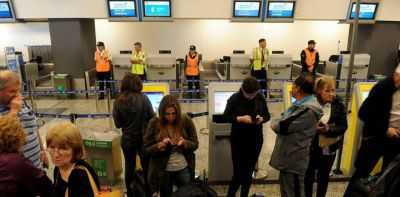 Aerolíneas: paro de 24 horas y acusaciones cruzadas entre la empresa y los gremios