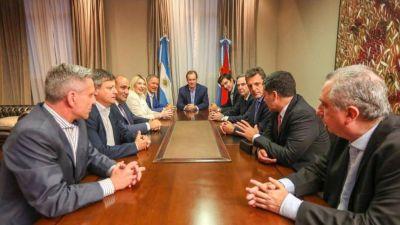 Nueve gobernadores junto a Massa y Pichetto acuerdan elegir candidato para enfrentar a Macri y Cristina: