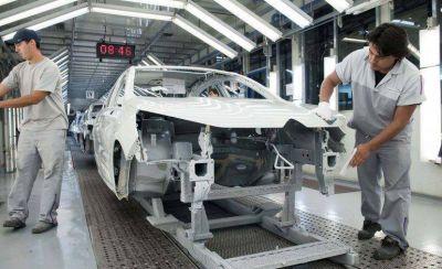 Se perdieron 4.469 puestos de trabajo en el sector automotriz en tres años