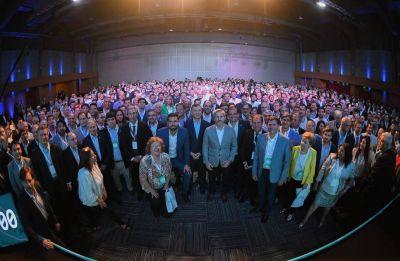 Quiénes son los 15 intendentes con cuentas ordenadas que distinguió Macri