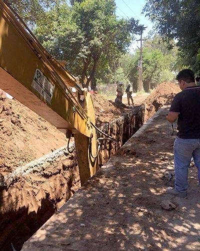 Avanzan las obras de drenajes lineales y cloacas de Villa El Libertador