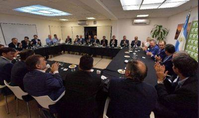 Los 12 apóstoles peronistas, el asado que no fue y el desafío a Camaño
